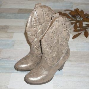 Mia Cowboy Boots - Size 7